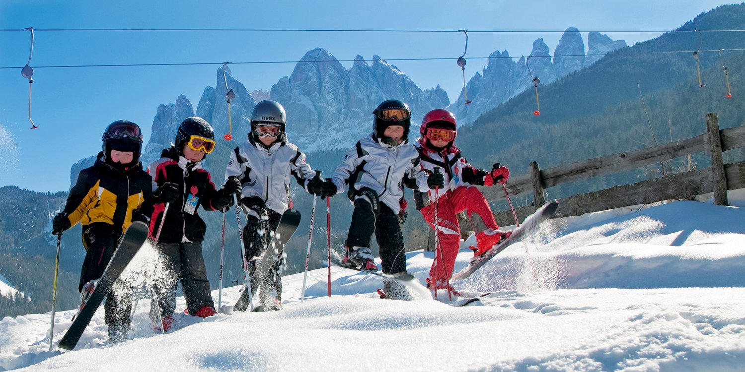 Sciare in Val di Funes